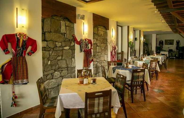 Spa Hotel Devin - Restaurant - 27