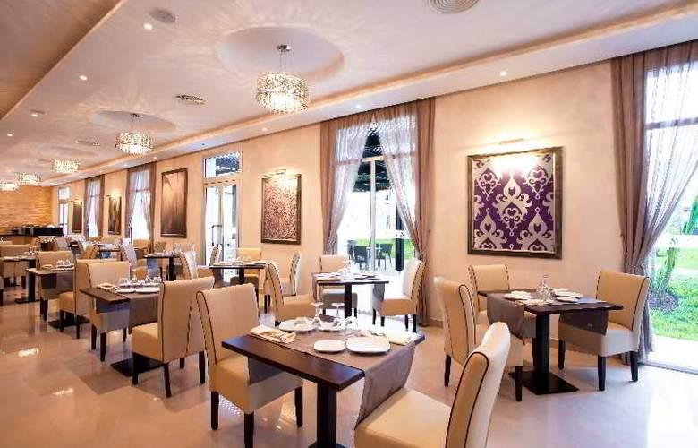 Atlas Sky Airport Hotel - Restaurant - 26