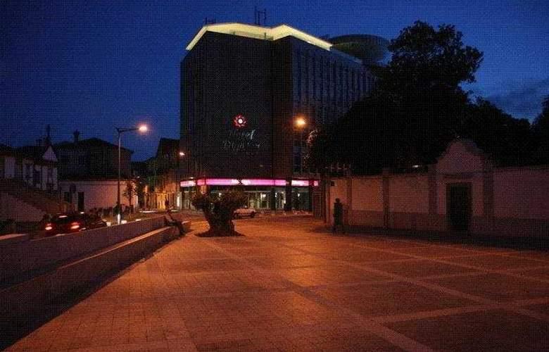 Dighton - Hotel - 0