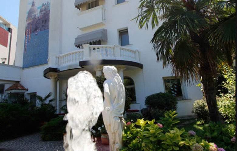Park Hotel Cellini - Hotel - 4