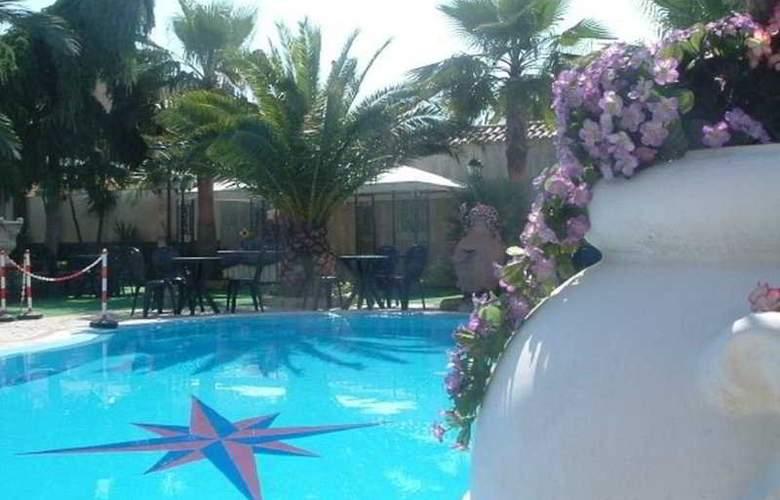 Orchidea - Pool - 3