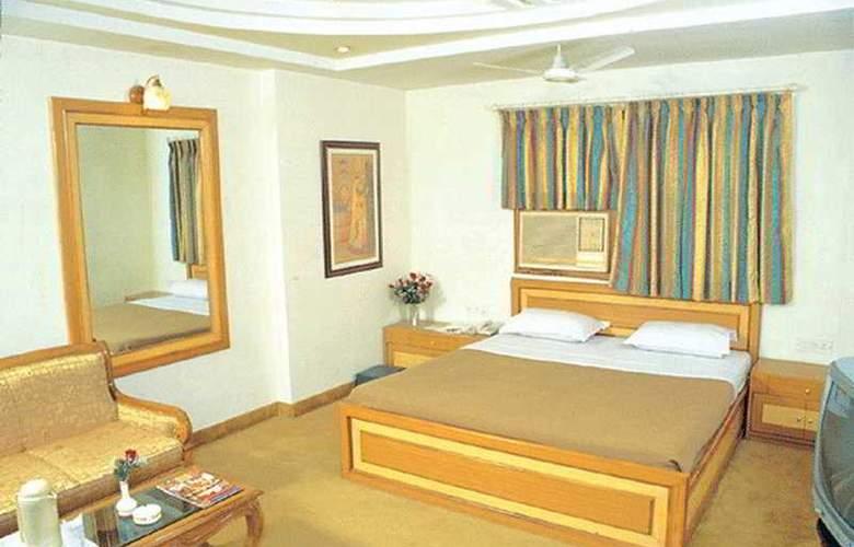 Swati Deluxe - Room - 2