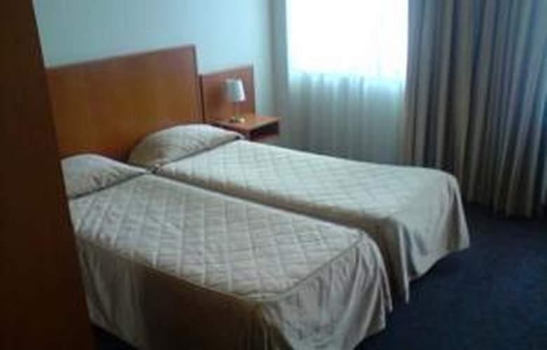 Belmont - Room - 15