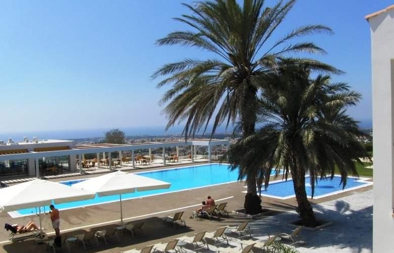 Royal Blue Hotel & Spa Paphos - Pool - 9