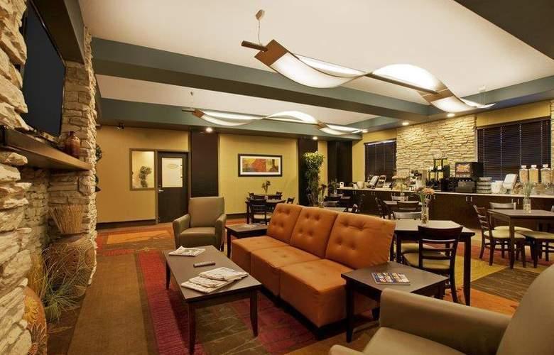 Best Western Plus The Inn At St. Albert - Restaurant - 136