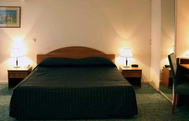 Ani Plaza Hotel - Room - 10
