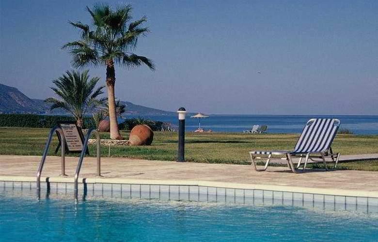 Natura Beach - Pool - 3
