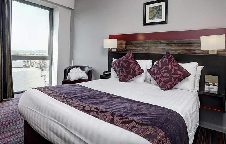 Clayton Cardiff - Room - 46