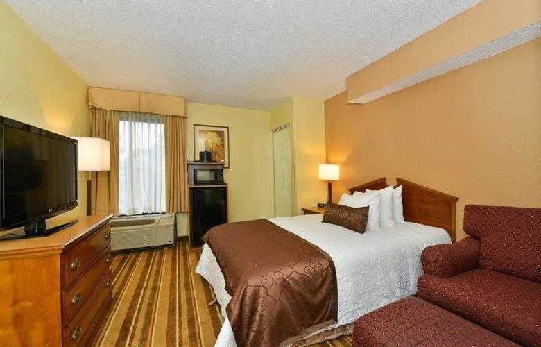 Best Western Plus Richmond Airport Hotel - Hotel - 6