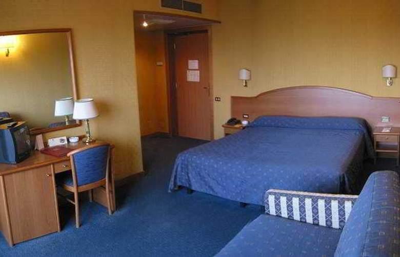 Park Hotel Dei Massimi - Room - 3