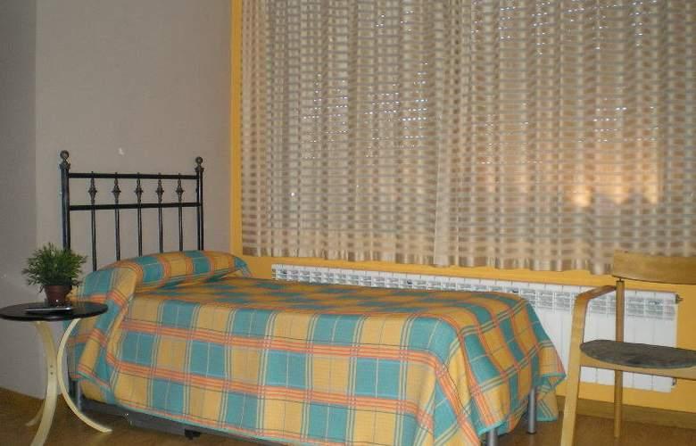 Apartamentos Aragon - Room - 1