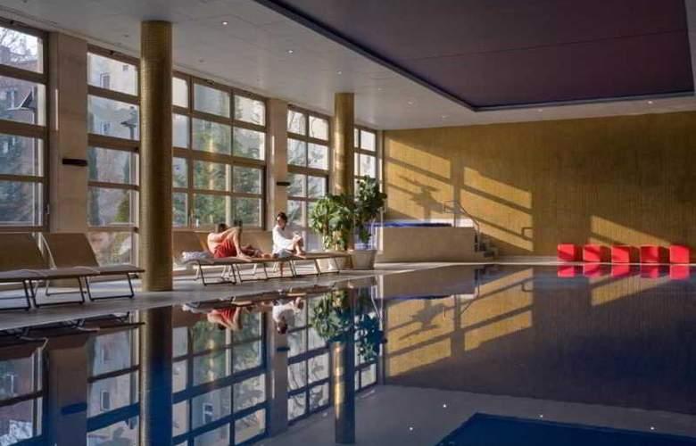 Adina Apartment Budapest - Pool - 23