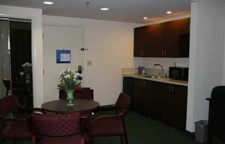 Hampton Inn Bedford - Hotel - 3