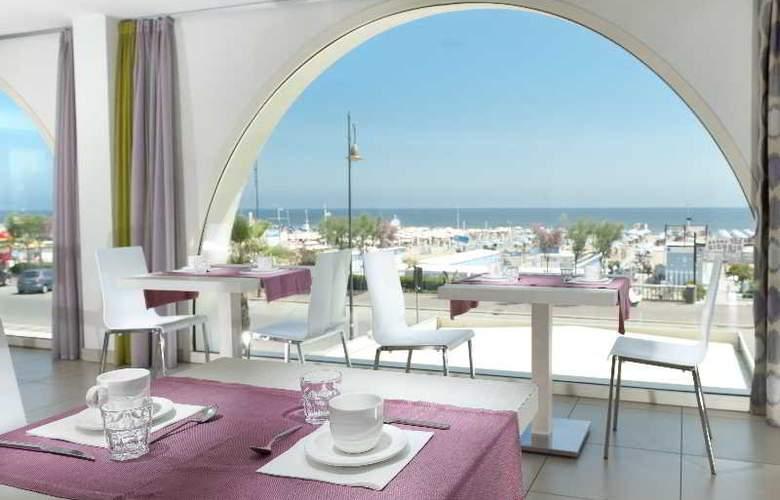 Touring - Restaurant - 34