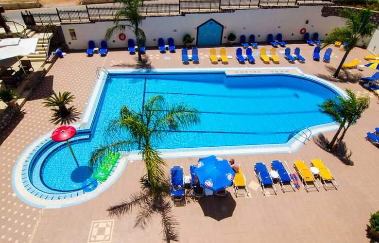 Real Palace - Pool - 23