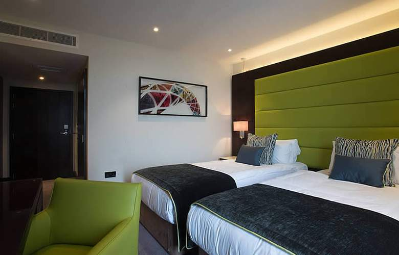 St George's Hotel Wembley - Room - 8