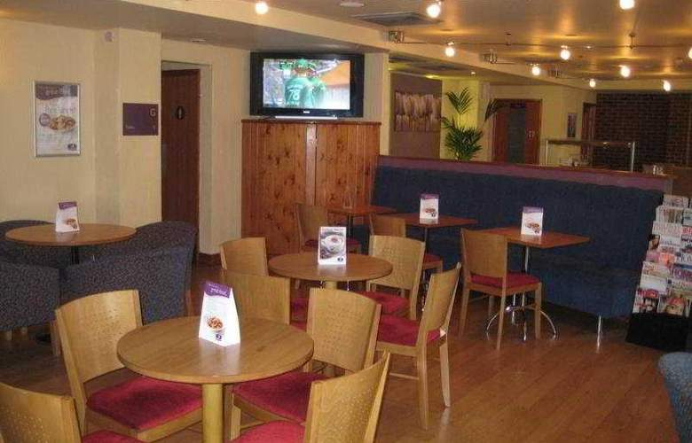 Premier Inn London Elstree - Bar - 5
