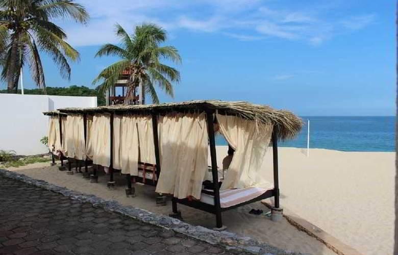 La Isla Huatulco - Beach - 18