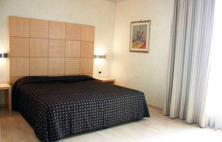 Duca d'Aosta - Room - 12