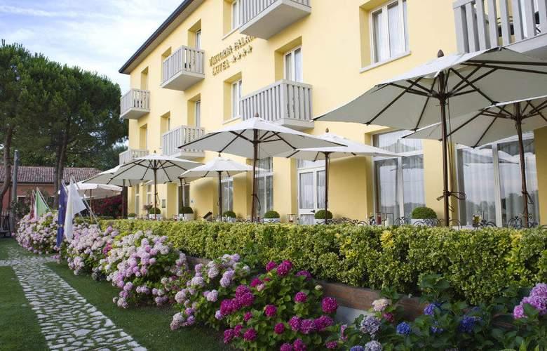 Viktoria Palace - Hotel - 1