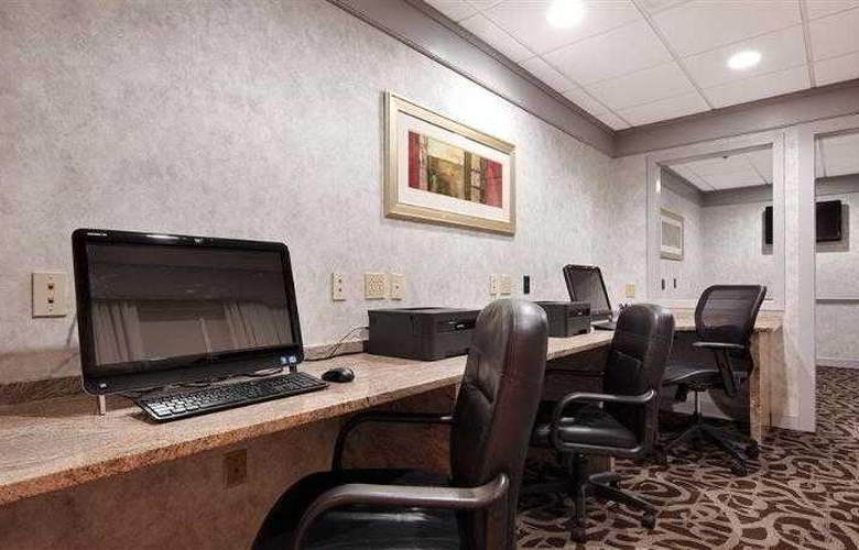 Best Western Plus Concordville Hotel - Hotel - 75