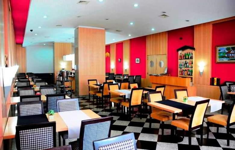 Ambassador Residence Hotel - Restaurant - 14