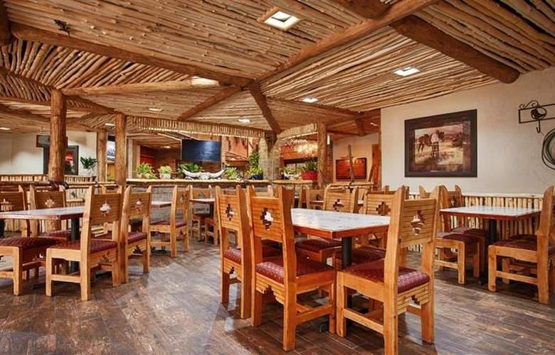 Best Western Saddleback Inn & Conference Center - Restaurant - 120