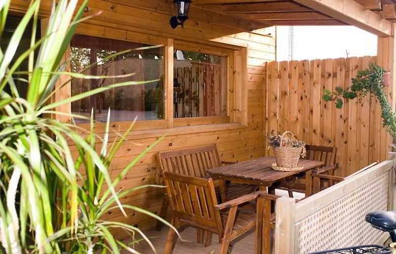 Spa Natura Resort - Terrace - 12