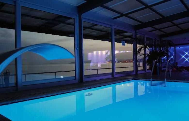 Jona Split - Pool - 4
