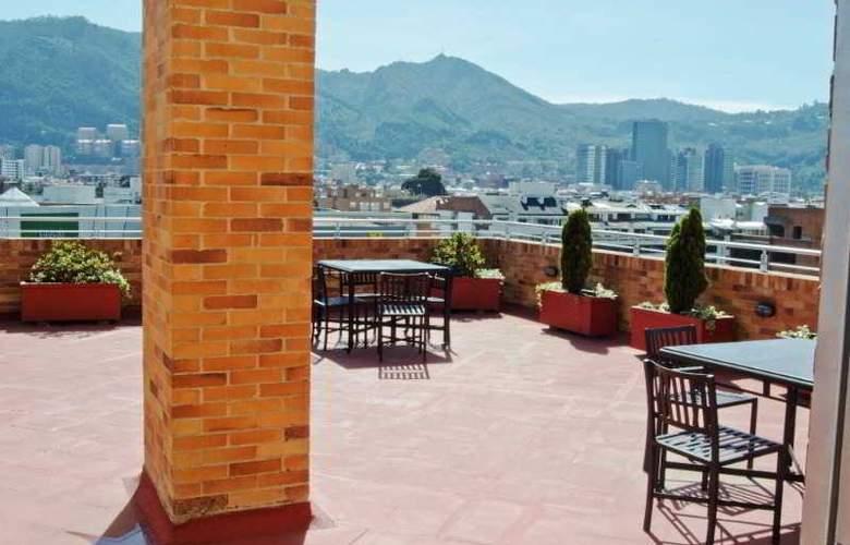 Apartahotel 122 Plaza - Terrace - 19