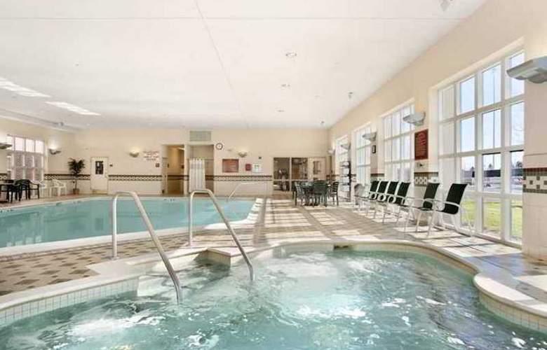Hampton Inn & Suites Providence Warwick-Airport - Hotel - 3