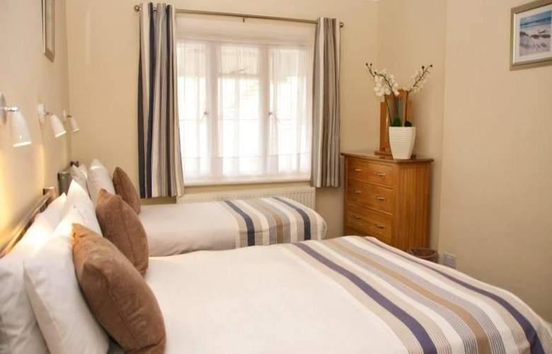 Riviera Hotel - Room - 4