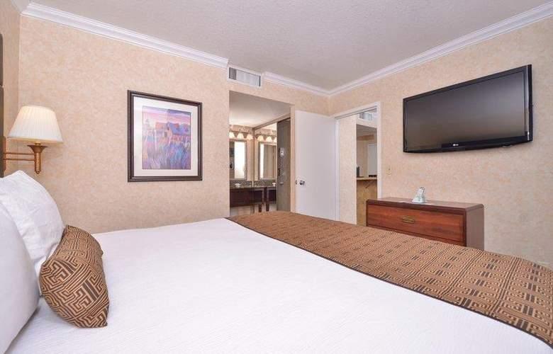 Best Western Plus Innsuites Phoenix Hotel & Suites - Room - 50