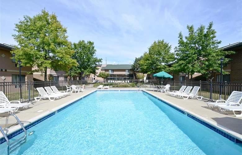 BEST WESTERN Hospitality Hotel - Pool - 45