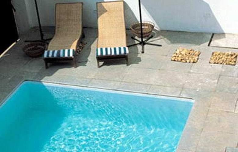 Koder House - Pool - 2