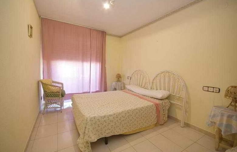 Playamar Apartamentos - Room - 4