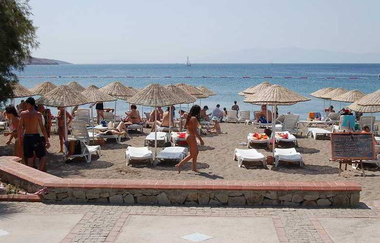 Petunya Beach Resort  - Beach - 4