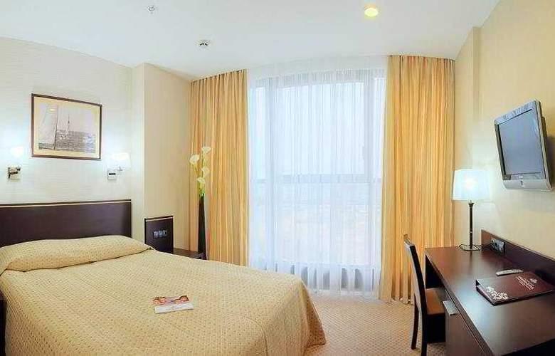 Riviera - Room - 5