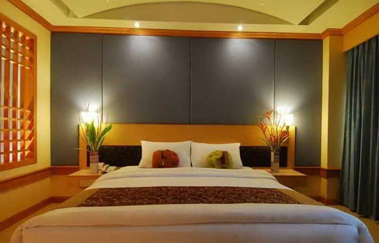 Suriwongse Tower Inn - Room - 4