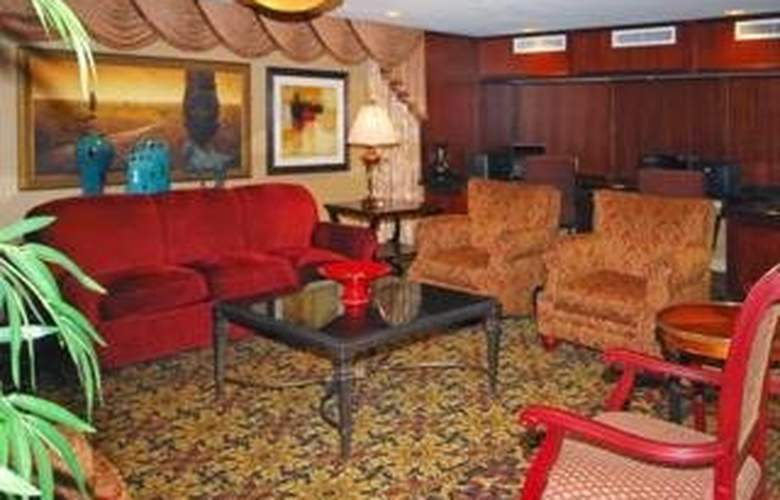 Clarion Collection Hotel Arlington Court Suites - General - 2
