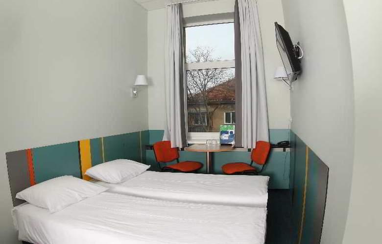 Ecotel Vilnius - Room - 6