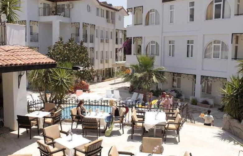Sunbird Apart Hotel - Terrace - 10