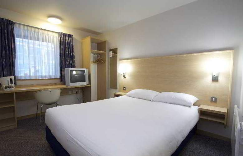 Travelodge Birmingham Central Broadway Plaza - Room - 10
