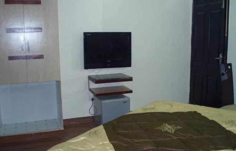 Raunak Plaza - Room - 8