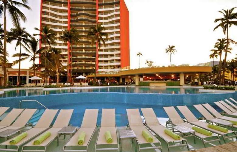 Sunset Plaza Beach Resort & Spa - Pool - 7