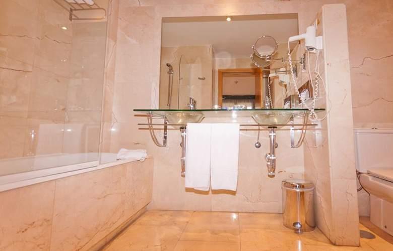 Exe Gran Hotel Almenar - Room - 11