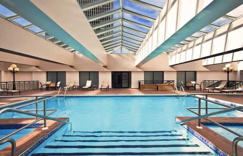 Sheraton Society Hill - Pool - 4