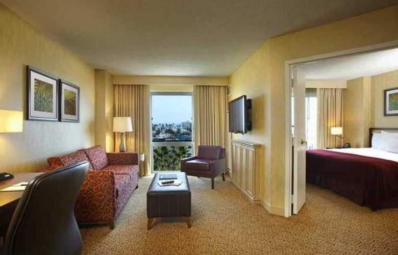 Doubletree Suites Santa Monica - Hotel - 13