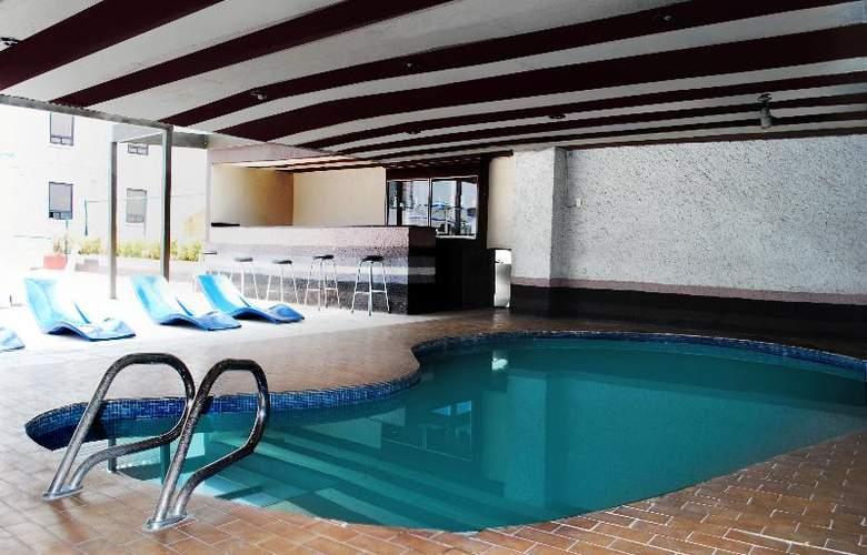 Aristos Puebla - Pool - 30