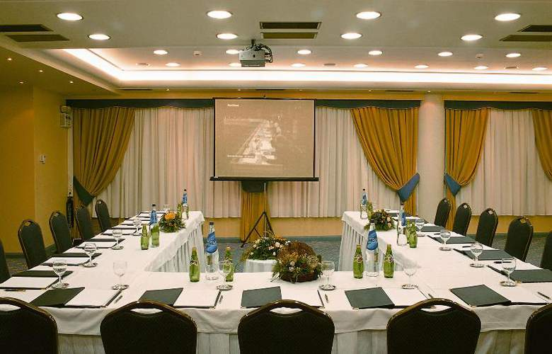 Savoy - Conference - 24